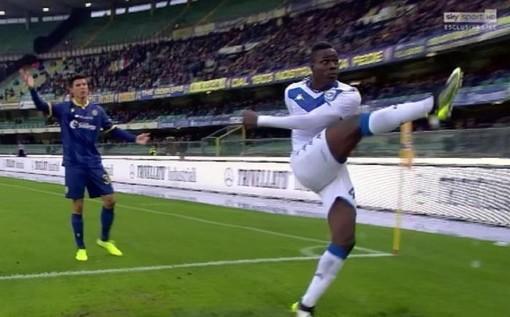 Le immagini di Balotelli dopo gli insulti a Verona