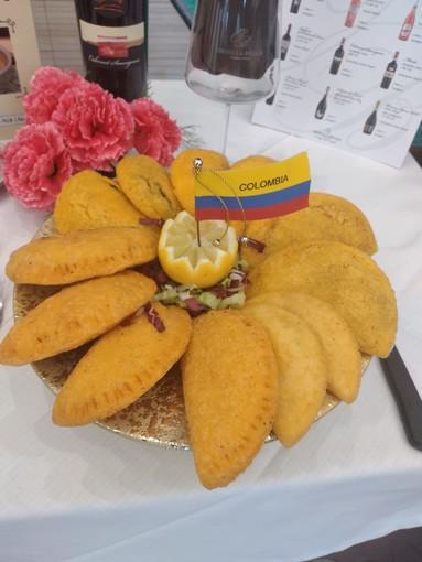 Al Bahama Star esclusiva assoluta: le empanadas colombiane! (Video)