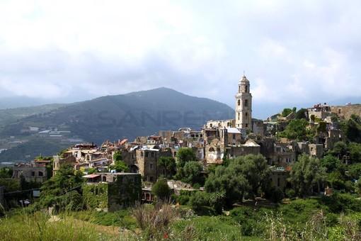 Sanremo: l'associazione degli artisti di Bussana Vecchia cita in giudizio il Demanio, udienza il 26 febbraio