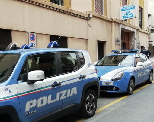 Ventimiglia: ubriachi sfondano un'auto della Polizia, moldavo arrestato e piemontese denunciato