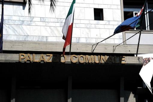 Elezioni comunali a Diano Marina: nella lista del meetup dianese che attende la certificazione dalla Casaleggio Associati, il figlio di un condannato per un incendio a un escavatore