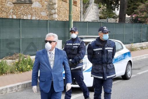 """Ventimiglia: riunione tra commercianti e Sindaco sull'ordinanza del Ministro, Scullino """"Mascherina obbligatoria 24 ore su 24"""""""