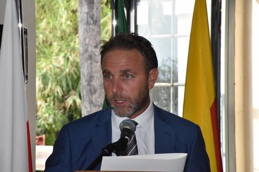 """La Russia di Putin aiuta l'Italia: Piana ringrazia console generale di Genova """"Siete un popolo meraviglioso"""""""