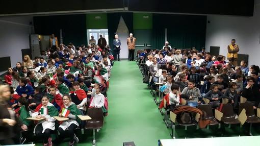 Ventimiglia: questa mattina la consegna del tricolore e della Costituzione degli studenti della 'Biancheri'