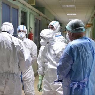 L'Asl 1 farà lo screening per l'accertamento di positivi a tutto il personale: i sindacati esprimono soddifazione