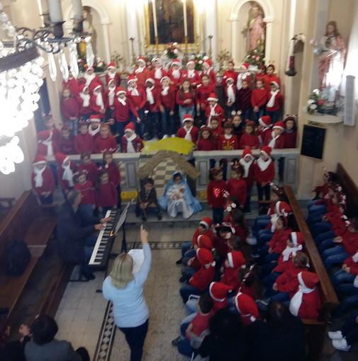 Sanremo: grande partecipazione ieri alla scuola di San Pietro per il concerto del 'Saint Peter's Chorus' (Foto)