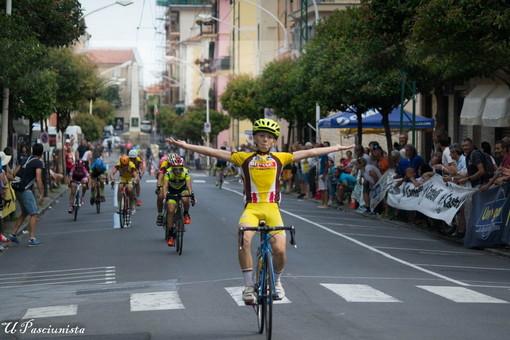 Ciclismo: grande spettacolo domenica scorsa a Taggia per la 'Giornata azzurra' (Foto)