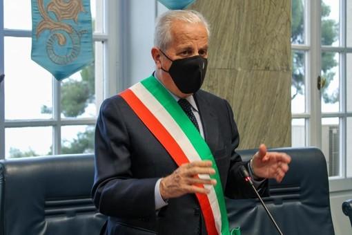"""Il sindaco di Imperia Claudio Scajola augura a tutti un buon 2021: """"Scordiamoci quest'anno che ci ha dato tante sofferenze"""" (video)"""