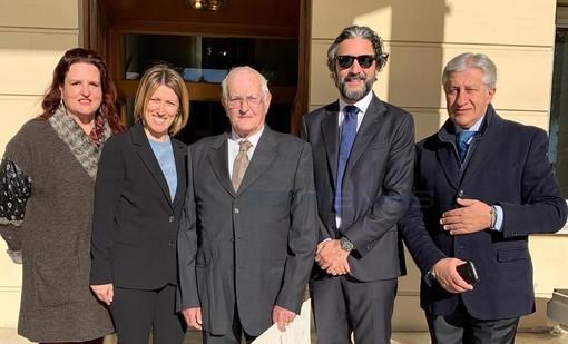 Da sinistra: Alessandra Cerri, Chiara Cerri, Sandro Cerri,  Mario Conio ed Espedito Longobardi