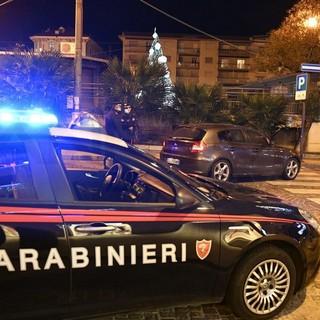 Bordighera: 31enne algerino tenta il furto in un'abitazione, la segnalazione di un cittadino e i Carabinieri lo fermano