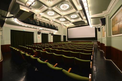 Bordighera: con una proiezione e un dibattito, giovedì prossimo riapre al pubblico il Cinema Olimpia