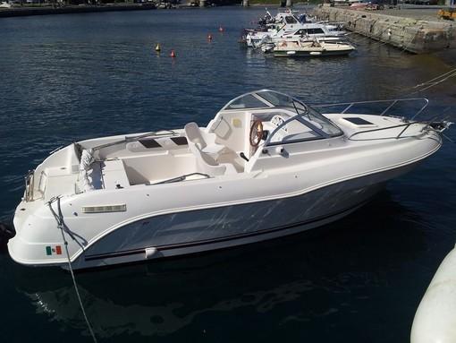 Una gita in barca per un'estate nel rispetto del distanziamento fisico