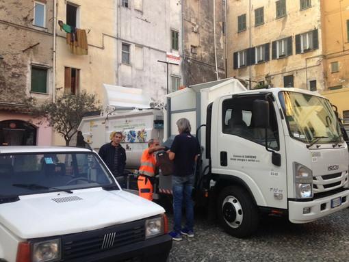 Futuro appalto per la raccolta dei rifiuti: mancano i 12 dipendenti della cooperativa 'Delta Mizar'