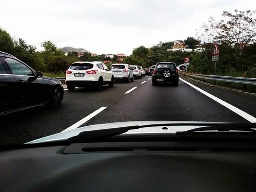 A10 chiusa nel tratto compreso tra l'allacciamento con la A26 e Arenzano (direzione Savona): segnalate code