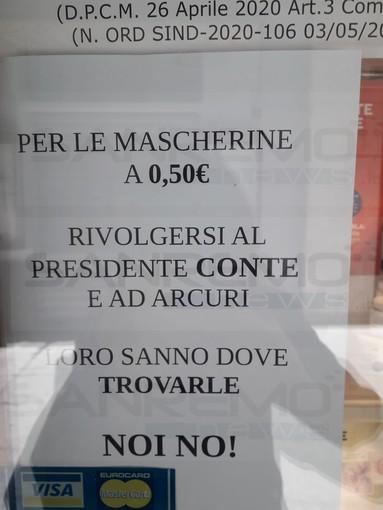 Sanremo: mascherine a 50 cent, in alcune farmacie si trovano in altre no, intanto in via Palazzo si rimanda al Presidente Conte (Foto)