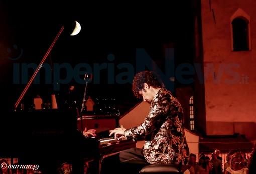 Cervo: la magia della Luna e della musica di Federico Colli nelle foto del concerto di ieri