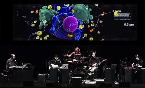 'DNA': lo spettacolo che fa suonare la scienza! accende il Teatro della Tosse a Genova