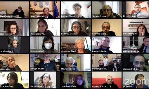 Sanremo: in apertura di consiglio comunale si parla di sviluppo, musica, maxi sedie e villa Angerer