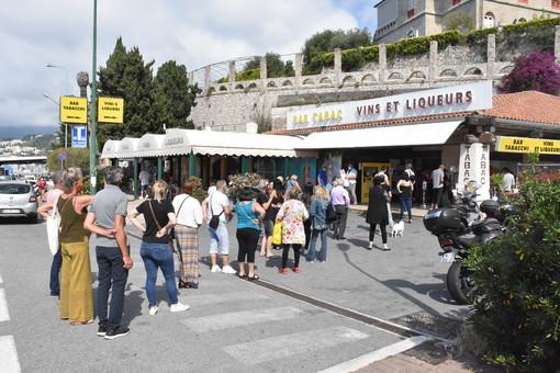 Ventimiglia: i francesi potranno comprare solo una stecca di sigarette, la federazione Tabaccai non ci sta