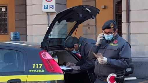 Emergenza Coronavirus : controlli della Guardia di Finanza a Imperia, le verifiche per accertare il rispetto delle restrizioni in vigore (Foto)