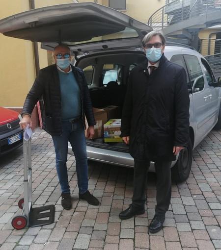 Coronavirus: aiuti del Rotary Club Sanremo all'Emporio solidale, fornita cancelleria per la scuola