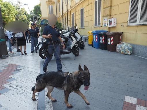 Sanremo: servizi antidroga, serie di controlli dell'unità cinofila della Polizia nelle scuole (Foto e Video)