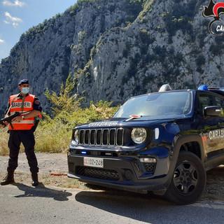 Triora: ciclista si sente male scendendo dal Colle del Garezzo, determinante il soccorso dei Carabinieri Forestali