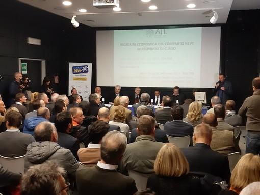 """""""Altri 6 milioni di euro per le stazioni sciistiche del Cuneese"""": l'annuncio di Chiamparino alla presentazione della stagione 2018/19 (Video)"""