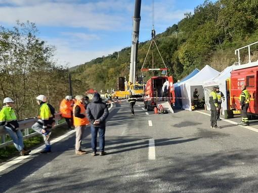 Nuovi movimenti sopra la A6 Savona-Torino ad Altare: autostrada chiusa per 10 minuti alle 14
