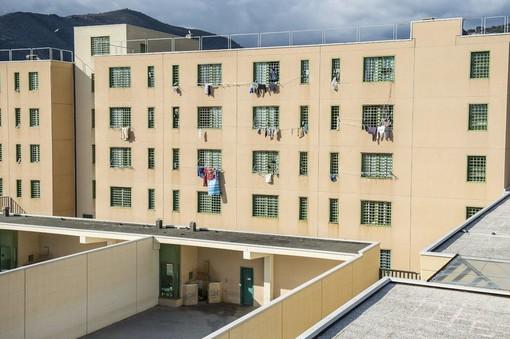 Sanremo: tre coltelli rudimentali trovati ieri mattina in una cella del carcere di Valle Armea