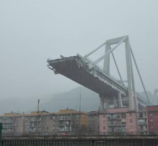 """Un anno dal crollo del ponte Morandi, il ricordo degli imperiesi a pochi metri dalla tragedia """"Non era la nostra ora"""""""
