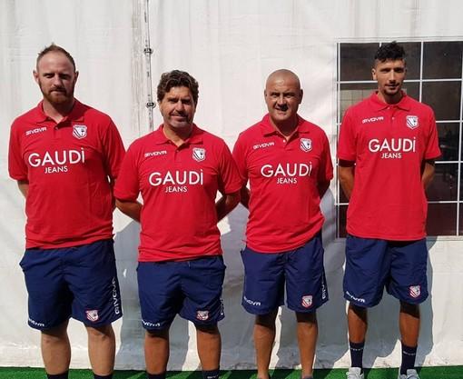 Lo staff tecnico del Carpi al completo (foto tratta dalla Pagina Facebook Ufficiale del club)