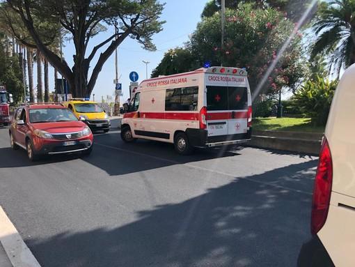 Diano Marina: pedone 55enne investito sull'Aurelia, trasportato in ospedale al Santa Corona