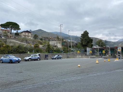 Sanremo: 16 auto francesi non in regola multate in due giorni al casello della A10 ma molti si presentano con il tampone eseguito