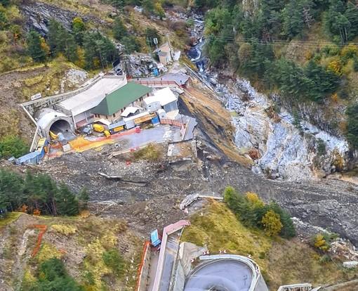 Nuova foto del 'disastro' sul Colle di Tenda: dall'elicottero ecco quanto rimane vicino al tunnel