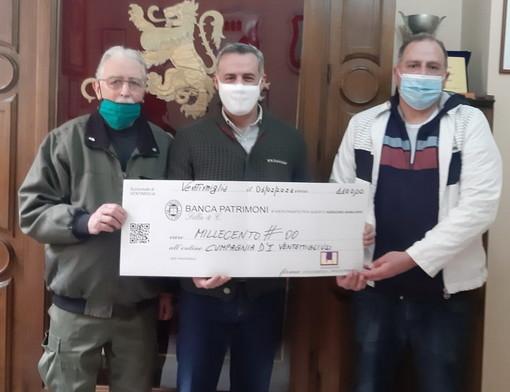 Ventimiglia: consegnati 1.100 euro dalla fondazione Casartelli-Perraro alla Cumpagnia d'ì Ventemigliusi