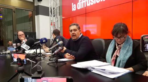 La conferenza stampa di Regione Liguria (sotto l'hotel di Finale luogo del nuovo caso)