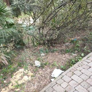 Sanremo: degrado e sporcizia al parco di Villa del Sole, la protesta di un nostro lettore (Foto)