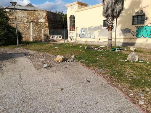 Sanremo: stranieri urinano e sporcano in Pian di Nave facendo fuggire alcuni turisti, la denuncia di Gianni Berrino (Foto)