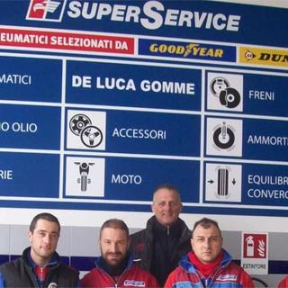 De Luca Gomme augura buone feste ai suoi clienti e si conferma tra i rivenditori principali di pneumatici invernali e catene da neve