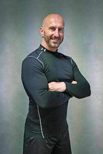 """Il personal trainer sanremese Davide Nevrkla ha iniziato a collaborare con il famoso magazine """"For Men"""" in qualità di esperto di fitness in materia hi-tech, virtual reality e attrezzi di nuova generazione"""