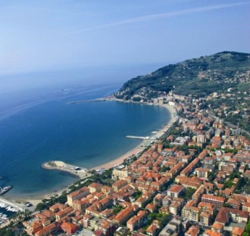 Diano Marina: 120 mila euro per il ripristino delle dighe a difesa della costa, affidati i lavori