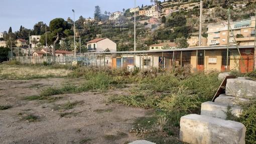 Bordighera: degrado e contenitori di rifiuti non svuotati, viaggio 'fotografico' del Consigliere Ramoino