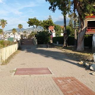 Sanremo: degrado nella zona a mare di San Martino, la segnalazione e le foto di un lettore