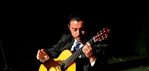 Sanremo: mini concerti durante il 'Festival chitarristico' e sotto Natale nelle vie centrali della città