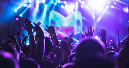 """Incognita estate per il mondo delle discoteche, un settore che in provincia vale 700 posti di lavoro. Osella (Silb-Fipe): """"Non a tutti converrà aprire"""""""