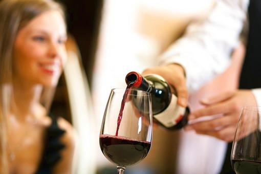 """Liguria: vini dealcolati con acqua, Piana contro la proposta da Bruxelles """"Svilimento del patrimonio vitivinicolo"""""""