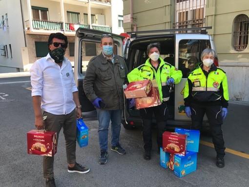Gli auguri di buona Pasqua da Fdi: Iacobucci e Panetta consegnano le colombe a Protezione Civile, forze dell'ordine e sanitari