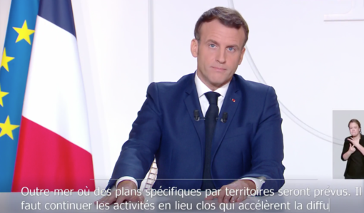 Macron parla alla Francia, da sabato riapriranno i negozi e a dicembre tornerà il coprifuoco