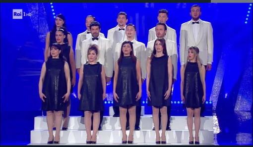 #Sanremo2018: la sanremese Deyla Del Core ieri sera al Festival nel 'coro' della gag baglioniana